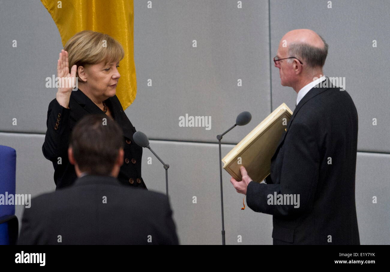 Dr. Angela Merkel takes her oath in front of the president of the German Bundestag Norbert Lammert on the 17th of Stock Photo