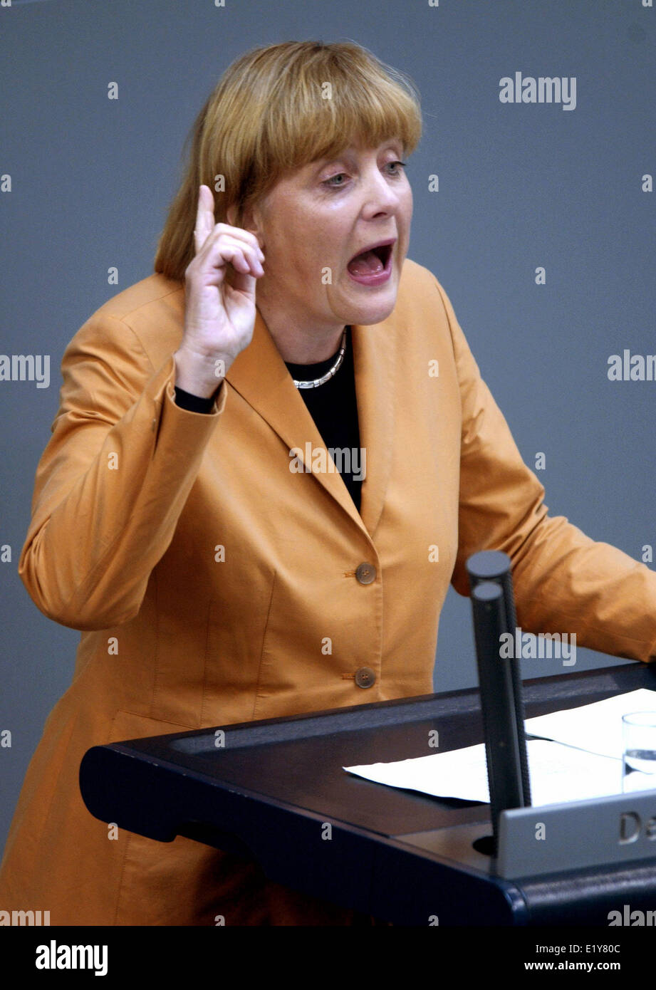 CDU chair woman Angela Merkel gives a speech in the Bundestag (14.04.2005). She voiced her opposition against the - Stock Image