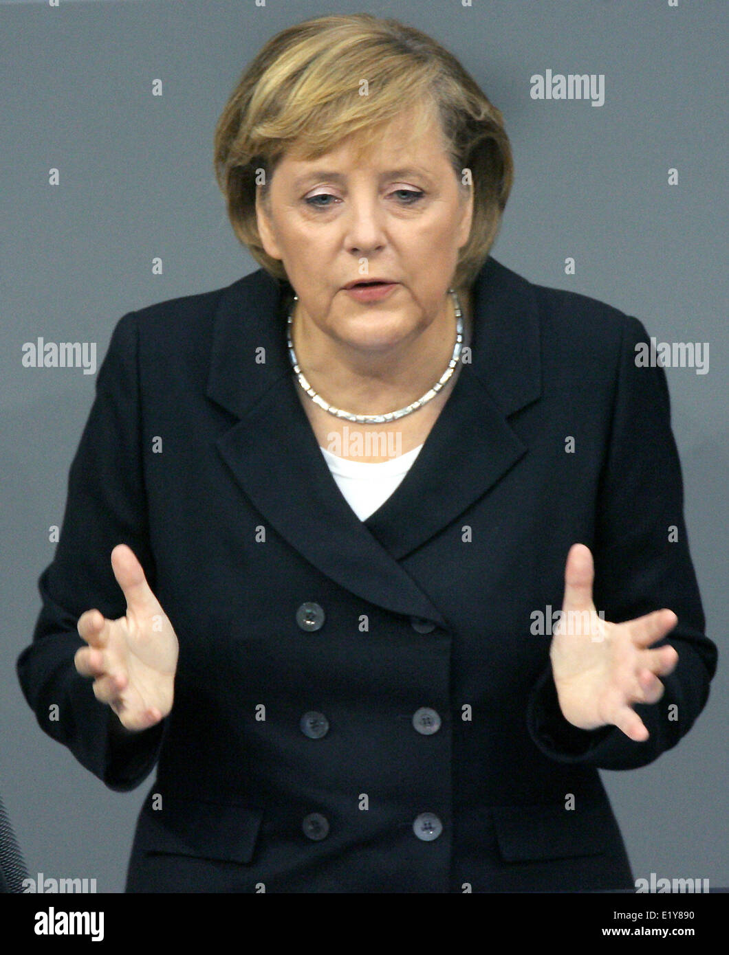Chancellor Angela Merkel (CDU) gives a speech in the Bundestag during the budget debate (08.09.2006).  Foto: Tim - Stock Image