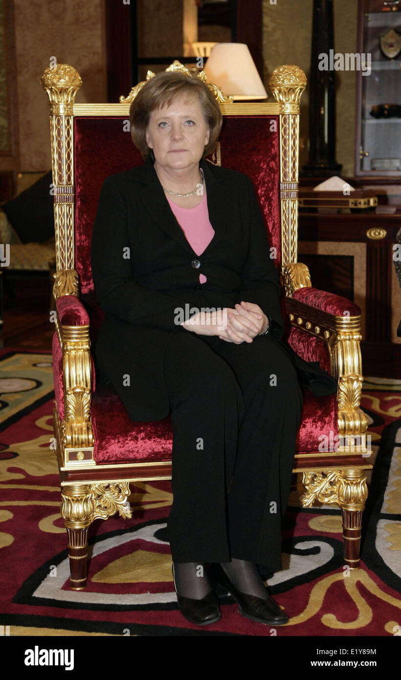 Chancellor Angela Merkel waits to meet prime minister of United Arab Emirates and sovereign of Dubai Sheikh Rashid - Stock Image