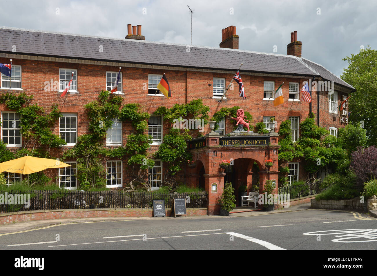 The Red Lion Hotel, Henley, Berkshire, UK -1 - Stock Image