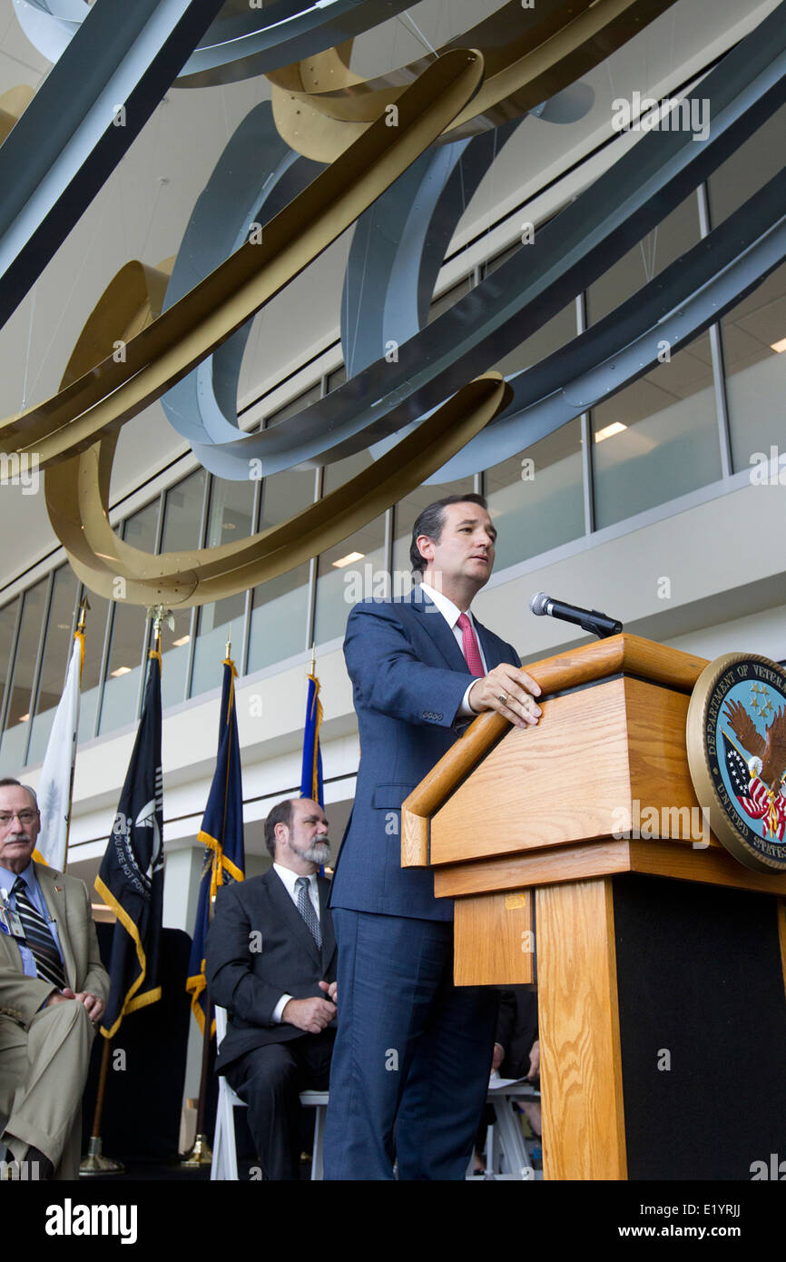 U.S. Sen. Ted Cruz delivers keynote speech at the grand opening of a new Veterans Administration outpatient clinic - Stock Image
