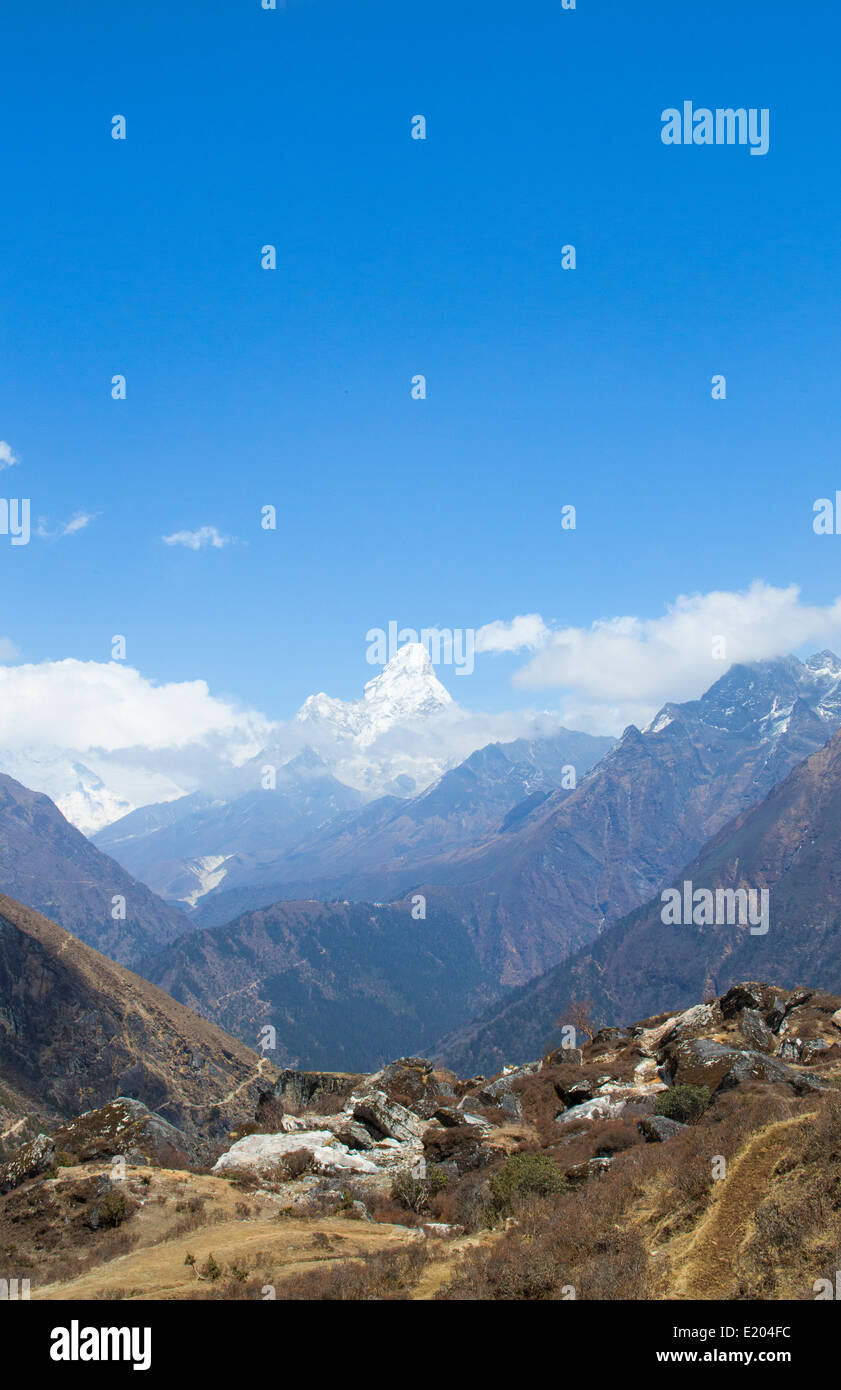 Nepal Mount Aba Dablam, rising clearly over a stretch of valleys below Solukhumbu remote, Mt Everest, Himalayas - Stock Image
