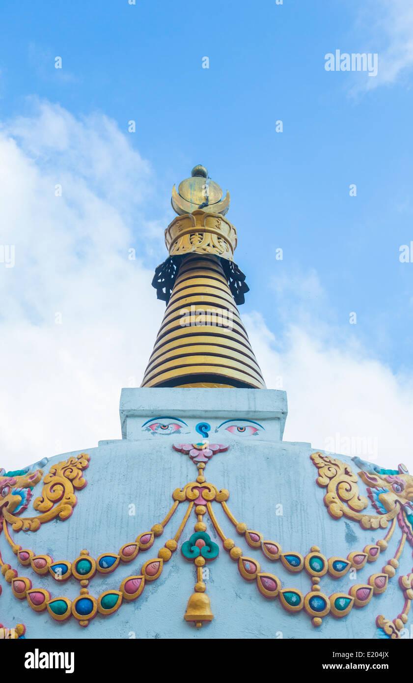 Nepal The ornate spire of the Tenzing Norgay stupa near Namche Bazarre. Solukhumbu, remote, Mt Everest, Himalayas - Stock Image