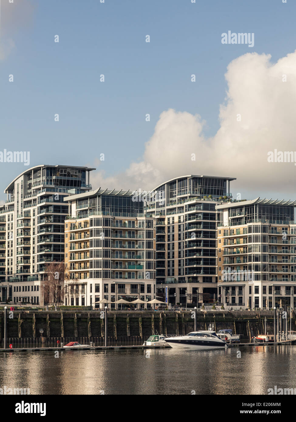 Luxury waterside apartments in Chelsea, London on the banks of the ...