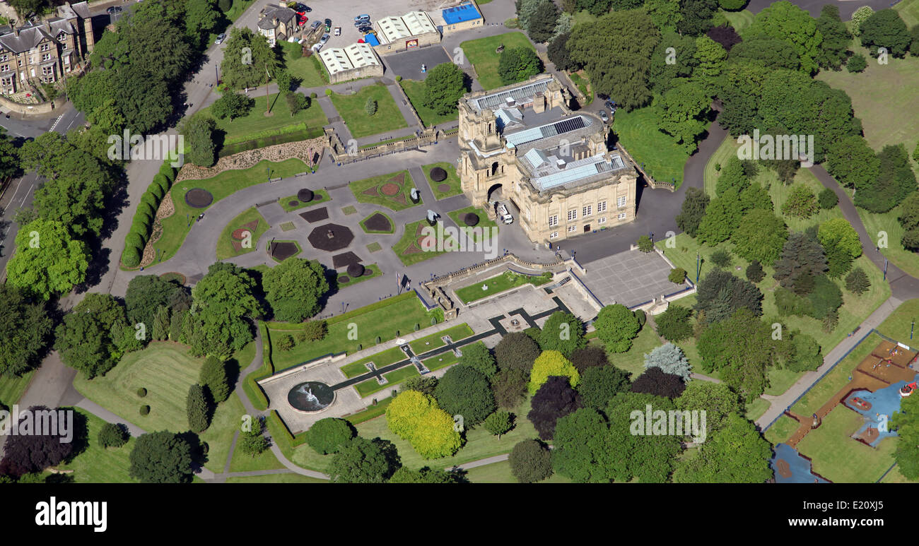 aerial view of Cartwright Hall in Bradford - Stock Image