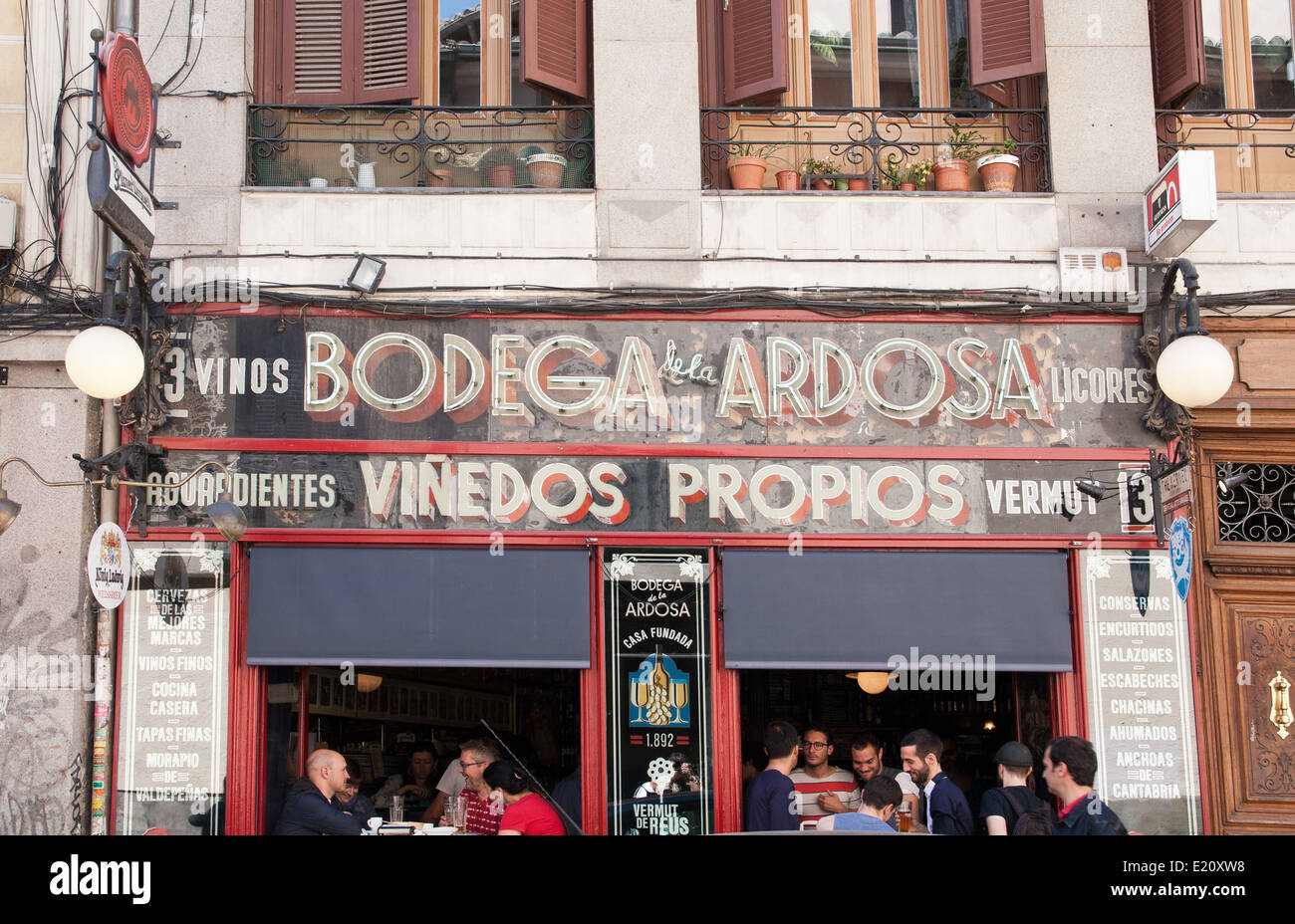 Bodega de la Ardosa, Malasaña neighborhood, Madrid - Stock Image