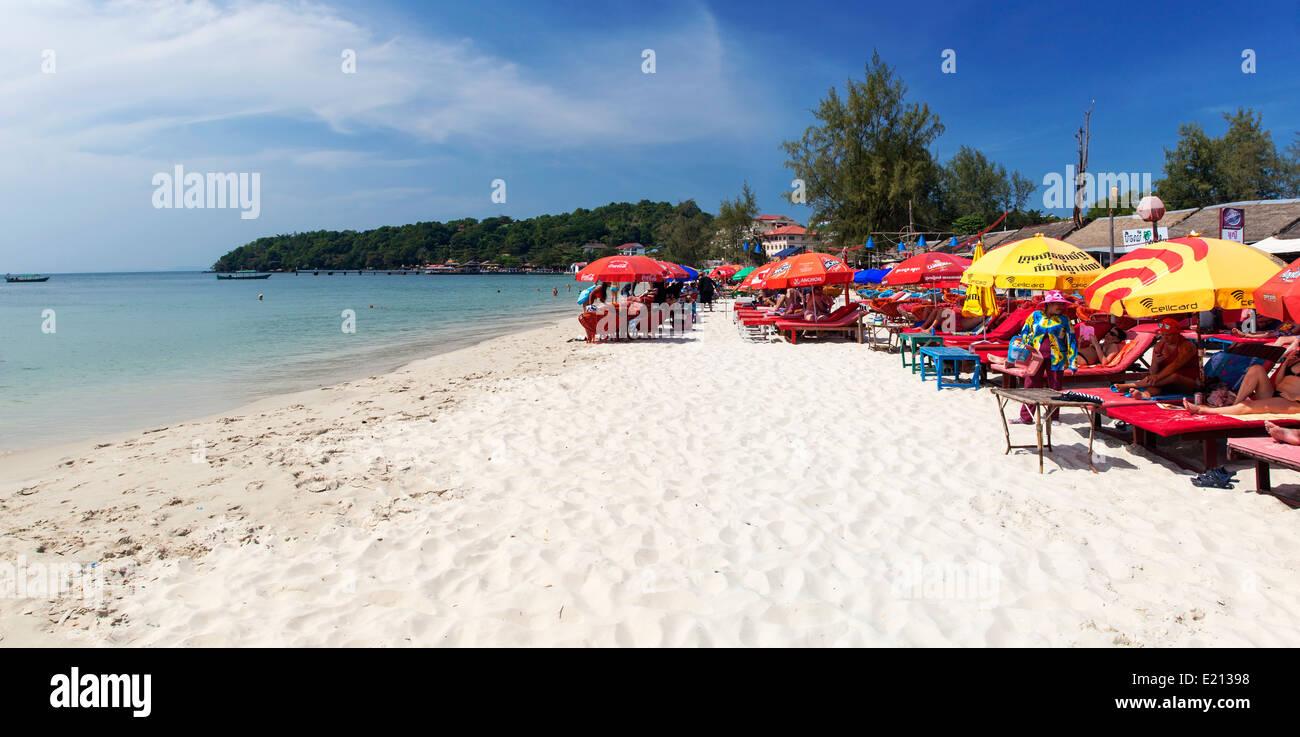 Mass Tourism on Serendipity Beach, Sihanoukville, Cambodia - Stock Image