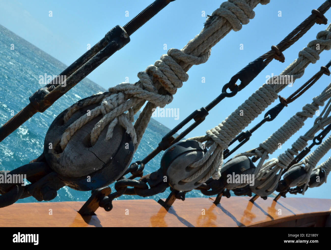 Rigging on the sailing ship Jolly Roger II - Stock Image