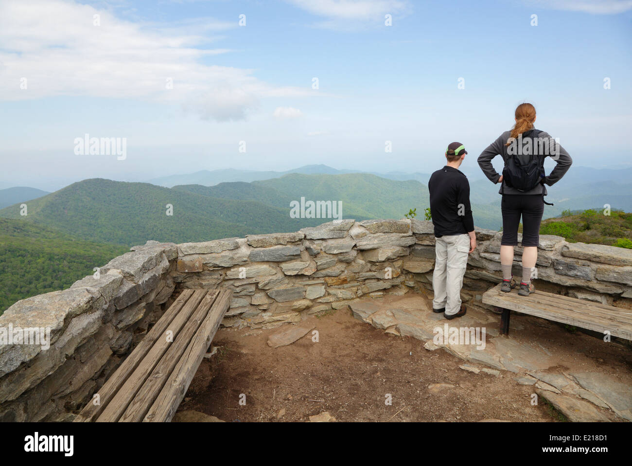 Hikers at the summit of Craggy Pinnacle, Blue Ridge Mountains, Asheville, North Carolina - Stock Image