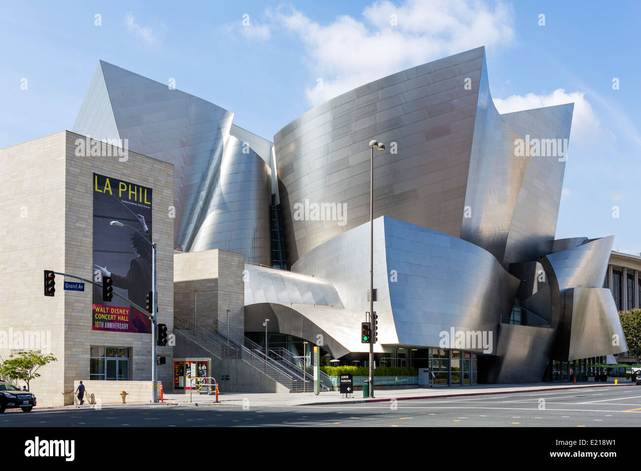 The Frank Gehry designed Walt Disney Concert Hall, Grand Avenue in downtown Los Angeles, California, USA - Stock Image