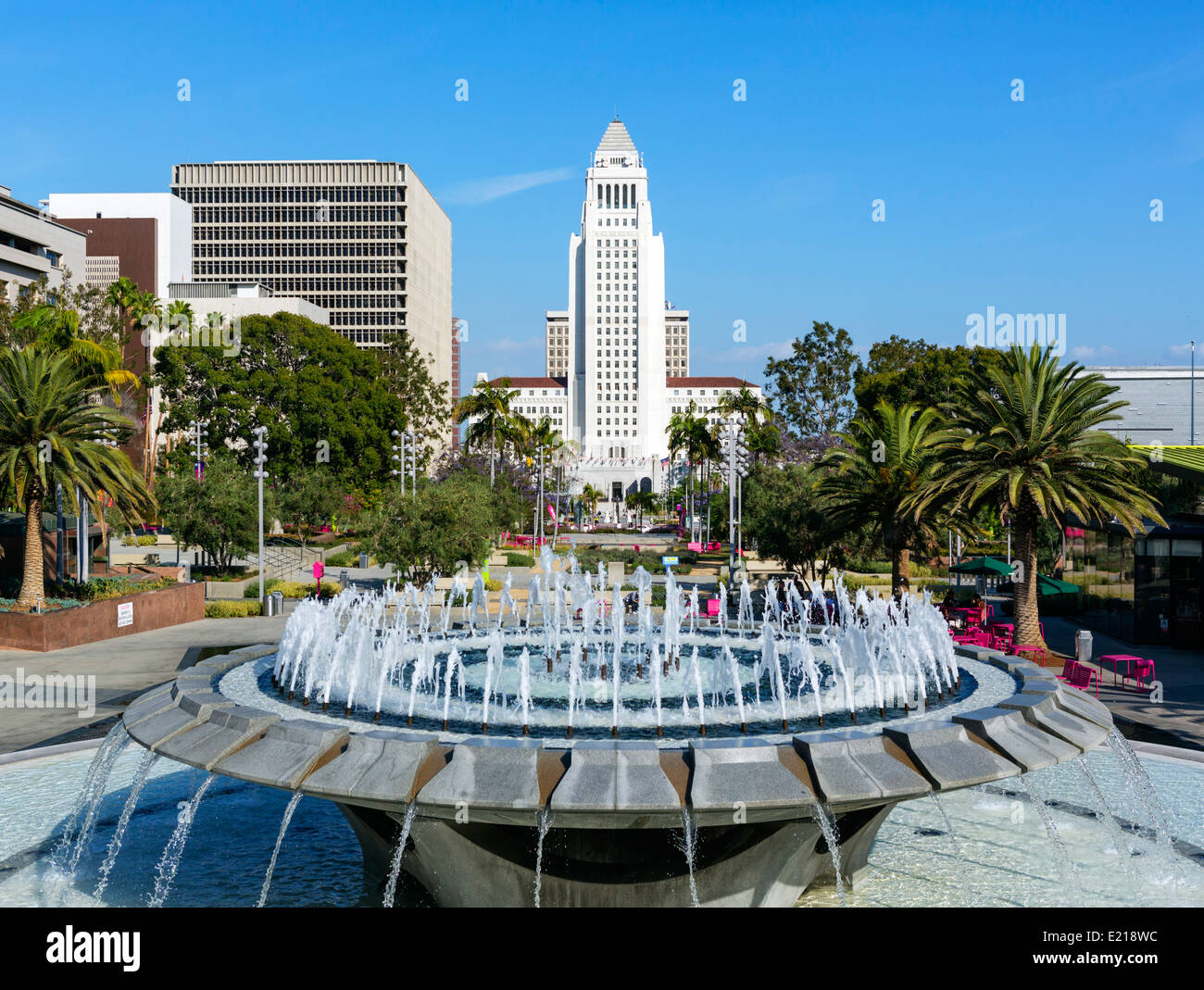 Los Angeles City Hall viewed from Grand Park in downtown LA, California, USA - Stock Image