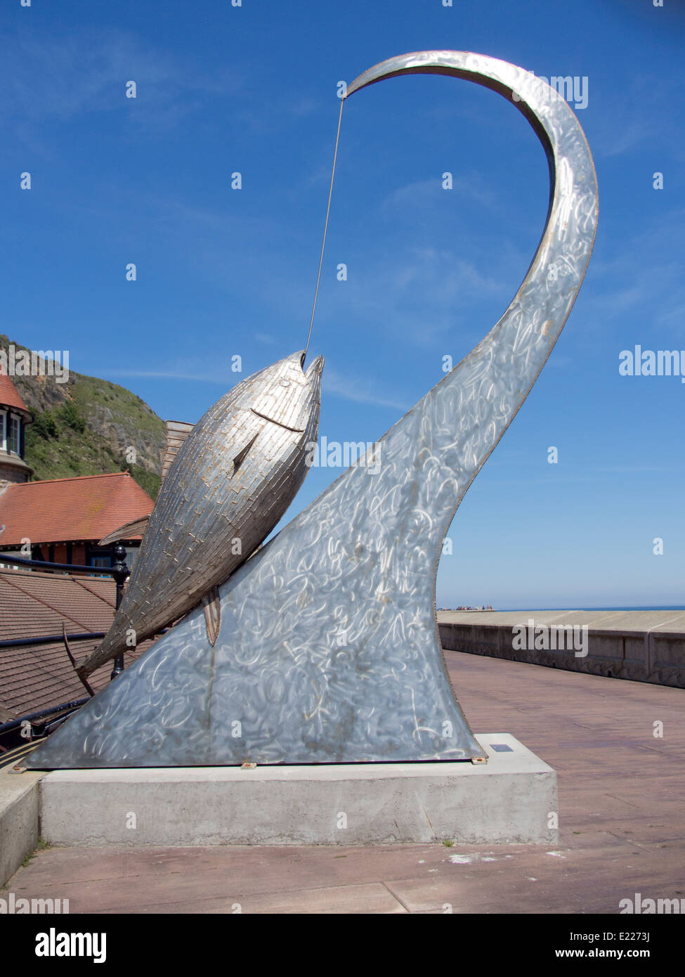 The Tunney Sculpture by Ray Lonsdale Scarborough Harbour 2013 - Stock Image