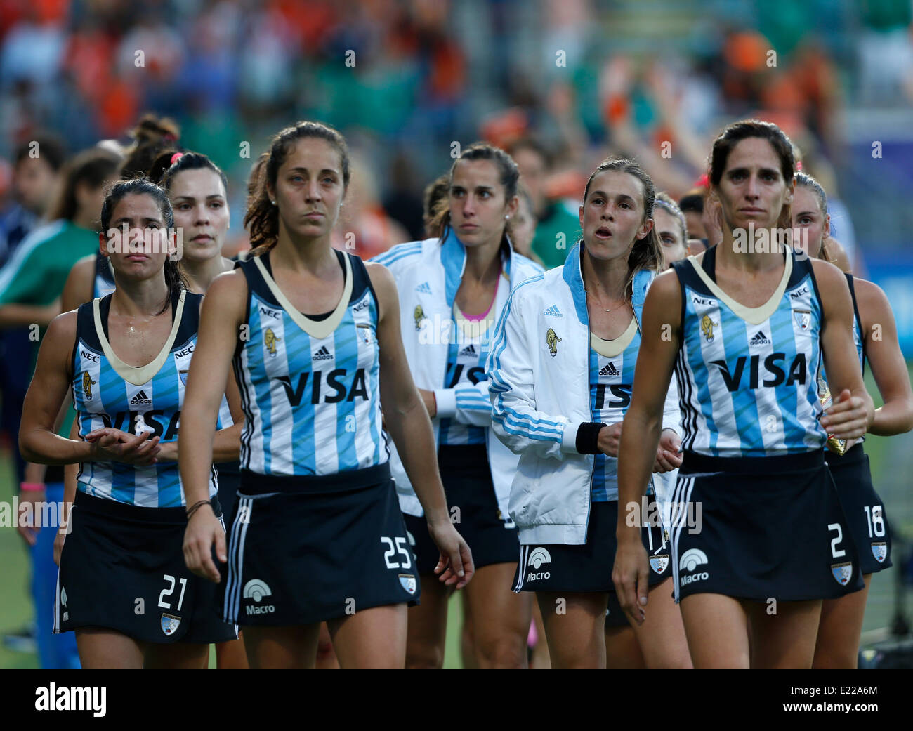 12.06.2014. The hague, Netherlands. Argentina Mariela Scarone (left) tearful after the game -Netherlands versus - Stock Image