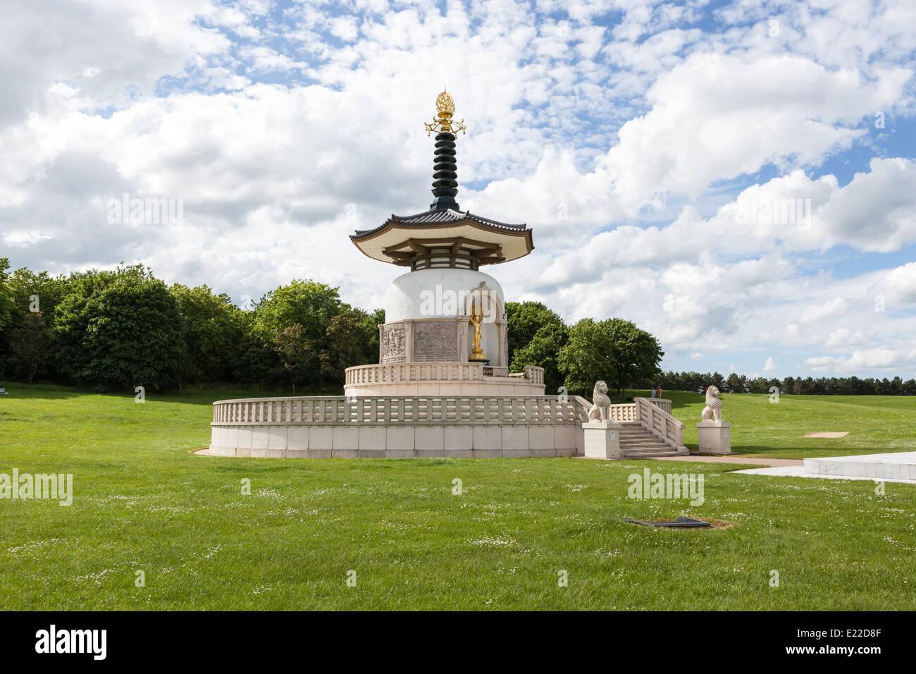 Japanese Buddhist Peace Pagoda, Nippon Myohoji, Milton Keynes - Stock Image