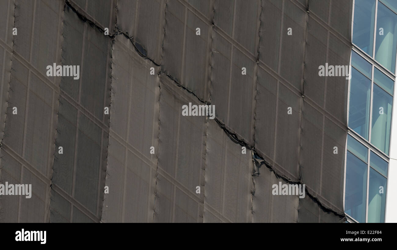 Walkie Talkie Building, 20 Fenchurch Street with Temporary Sunshade to prevent sunlight being reflected and damaging - Stock Image
