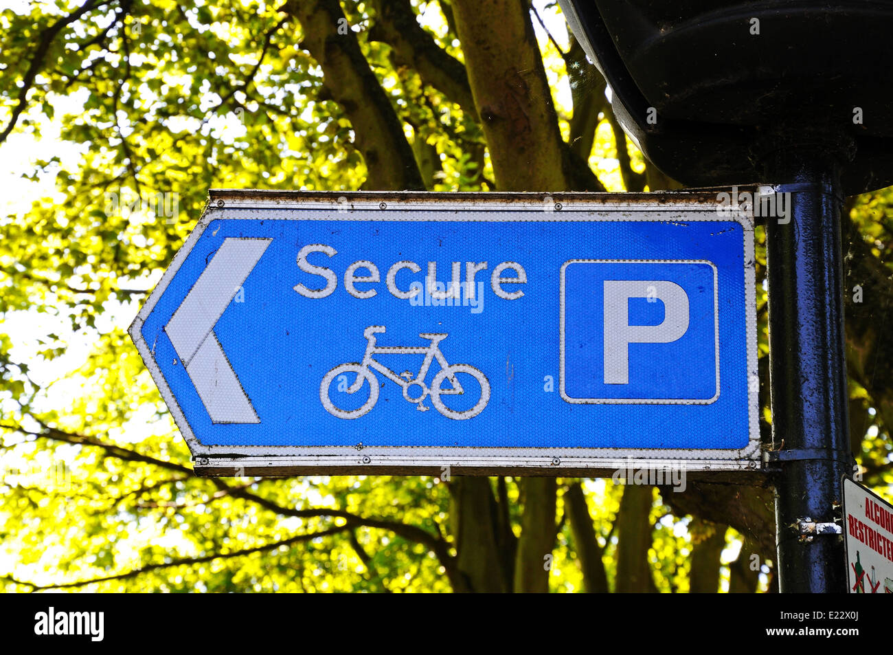 Secure bicycle parking sign, Tamworth, Staffordshire, England, UK, Western Europe. - Stock Image