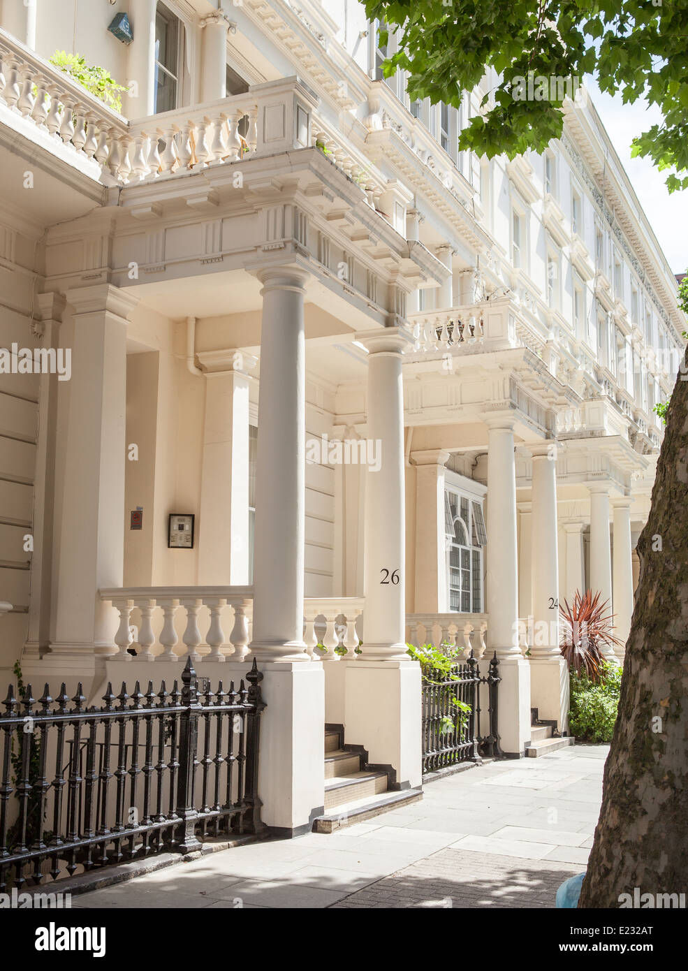 Imposing Row White Stucco Fronted Houses Notting Hill Stock Alamy