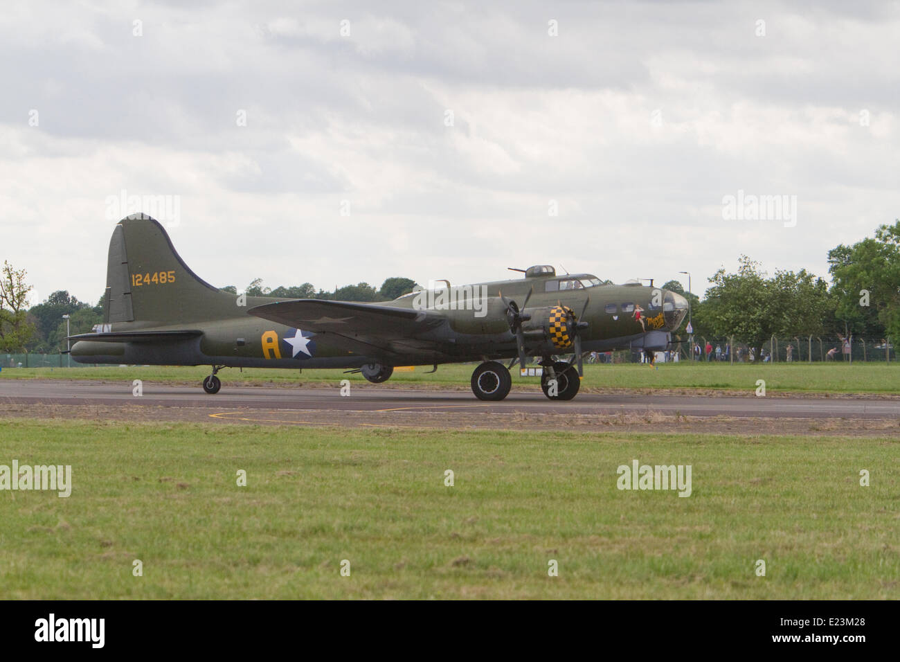 Biggin Hill, UK.14th June, 2014. B-17 Flying Fortress G-BEDF Sally B at the Festival of Flight in Biggin Hill Credit: Stock Photo