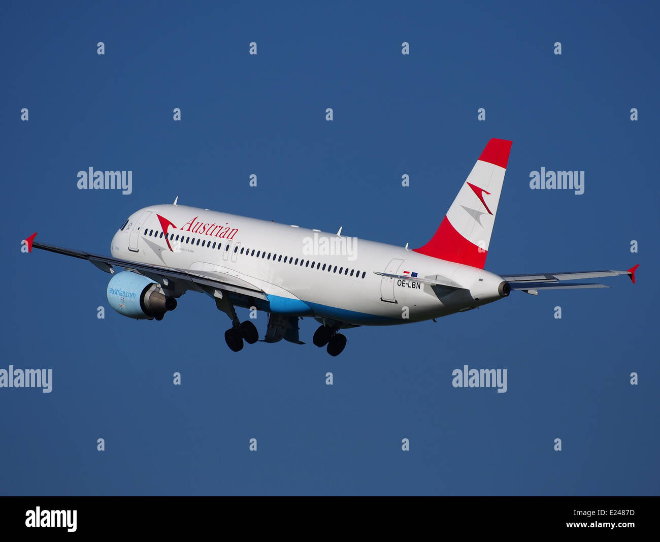 OE-LBN Austrian Airlines Airbus A320-214 - cn 768 takeoff from Schiphol (AMS - EHAM), The Netherlands, 16may2014, - Stock Image