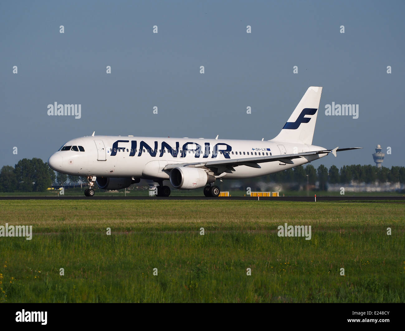 OH-LXI Finnair Airbus A320 takeoff from Schiphol (AMS - EHAM), The Netherlands, 17may2014, pic-1 - Stock Image