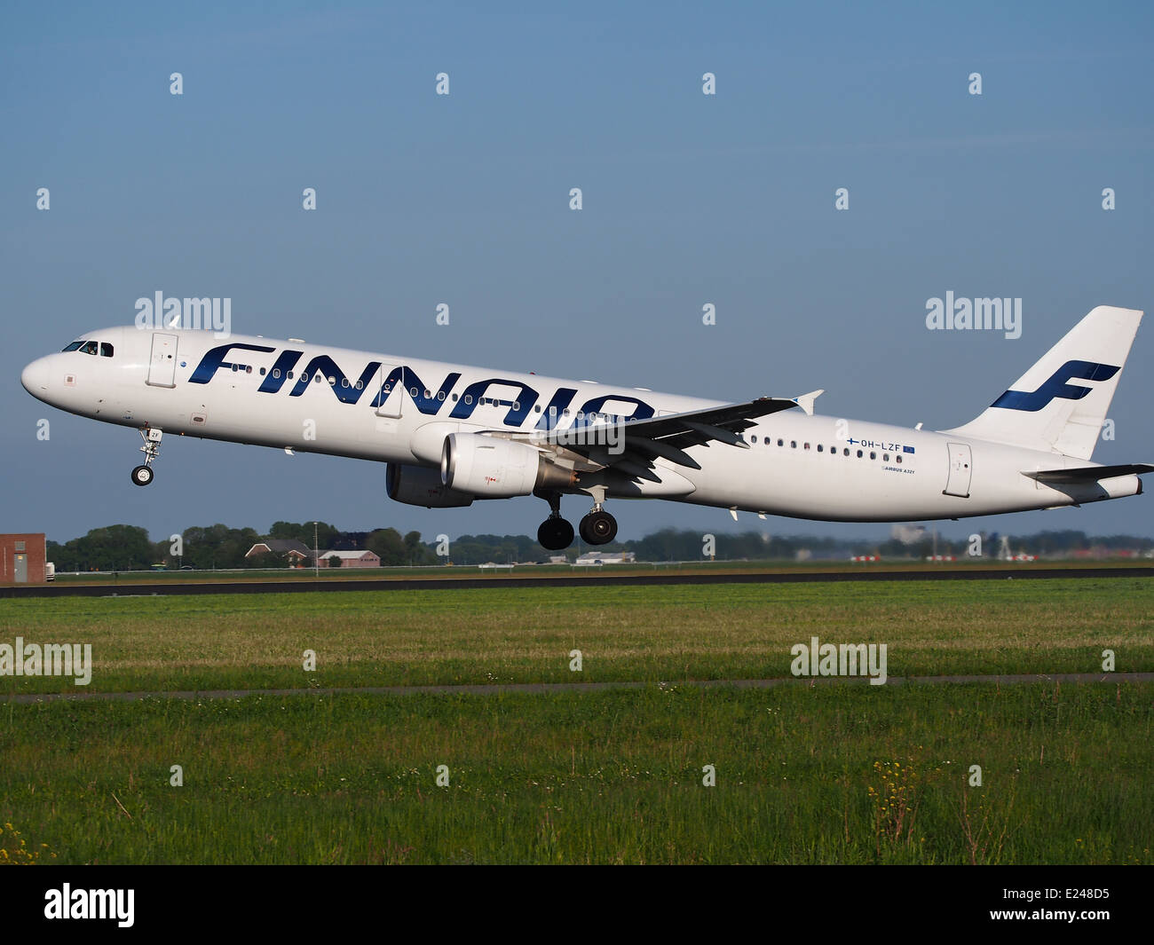 OH-LZF Finnair Airbus A321 takeoff from Schiphol (AMS - EHAM), The Netherlands, 16may2014, pic-1 - Stock Image