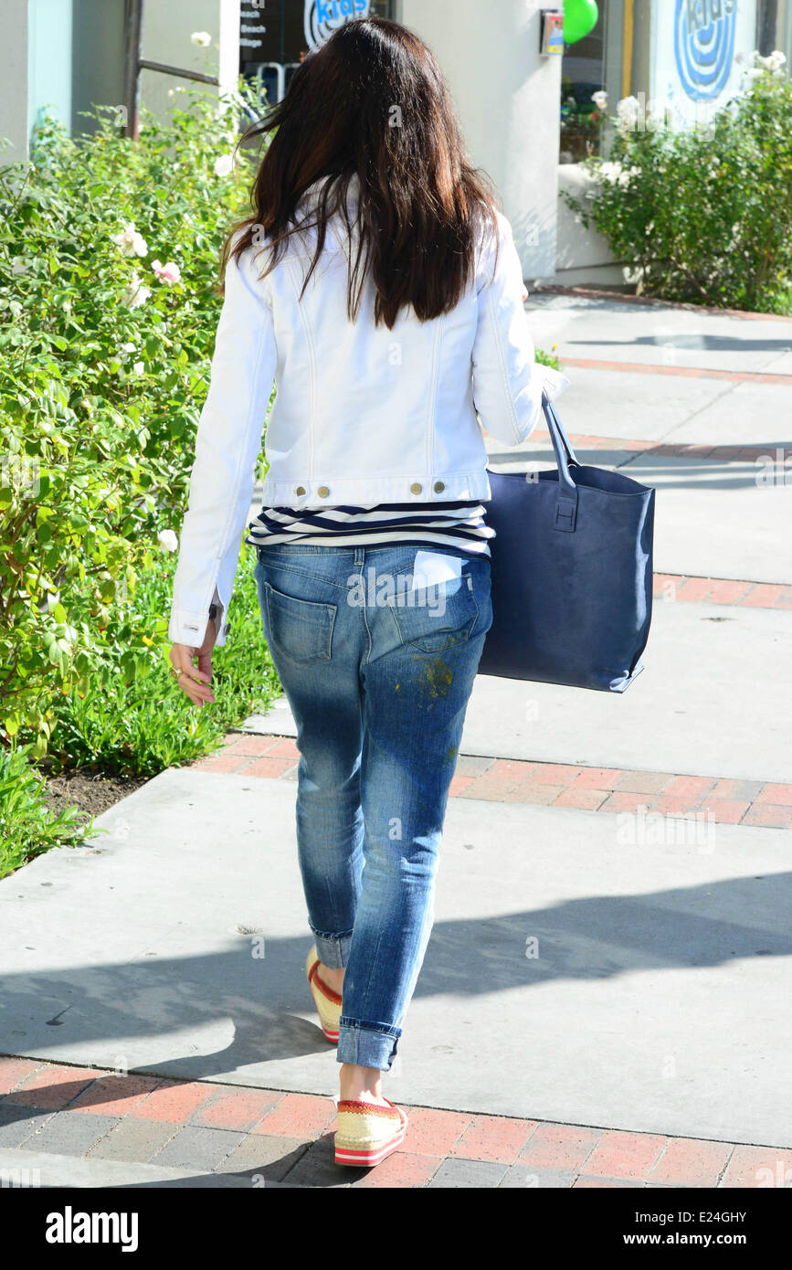 Selma Blair with an undefinded smudge on her pants. Los Angeles, California - 09.02.2013  Where: Studio City, California, - Stock Image
