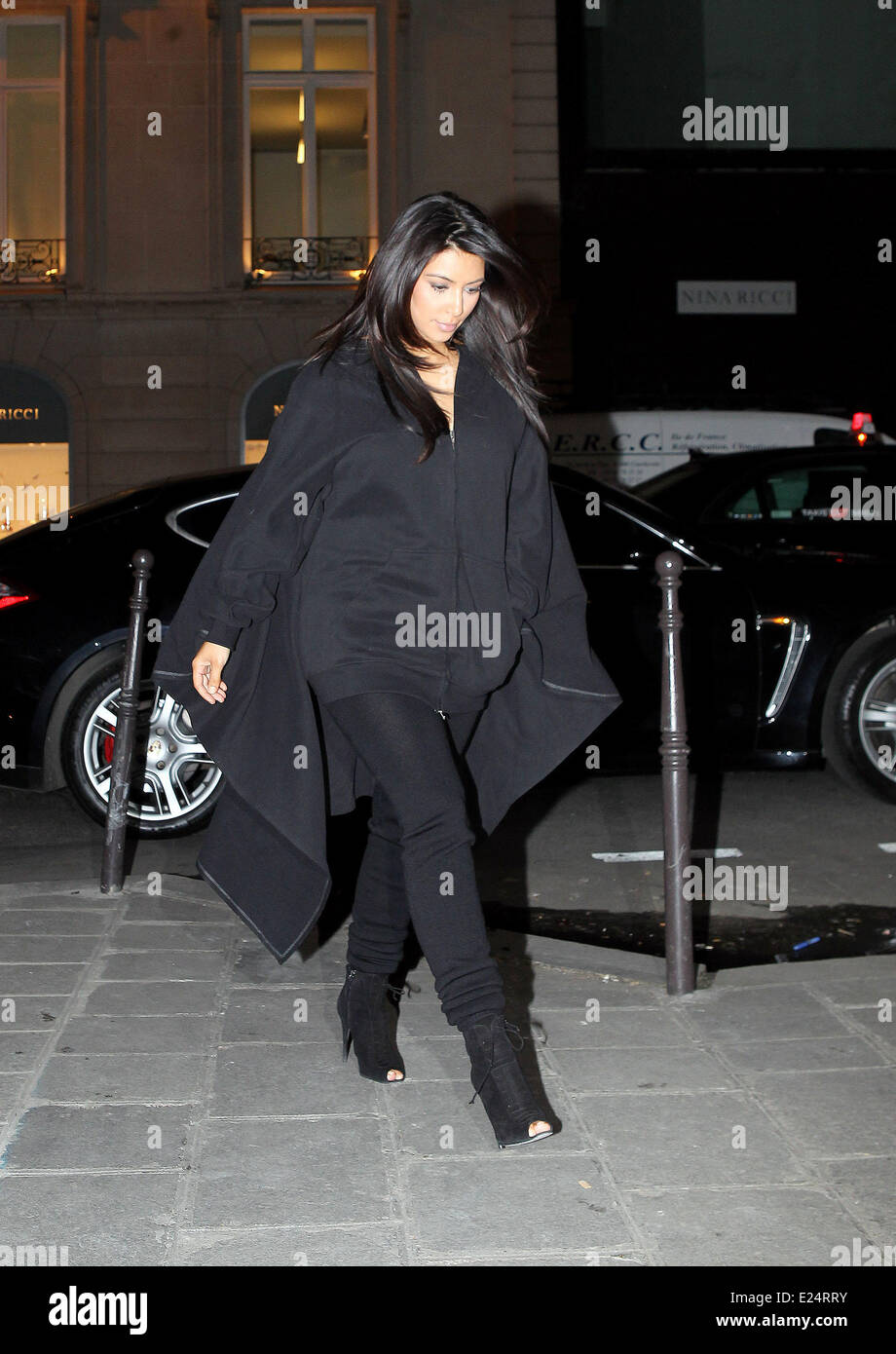 Kim Kardashian and Kanye West out and about in Paris  Featuring: Kim Kardashian Where: Paris, France When: 08 Jan - Stock Image