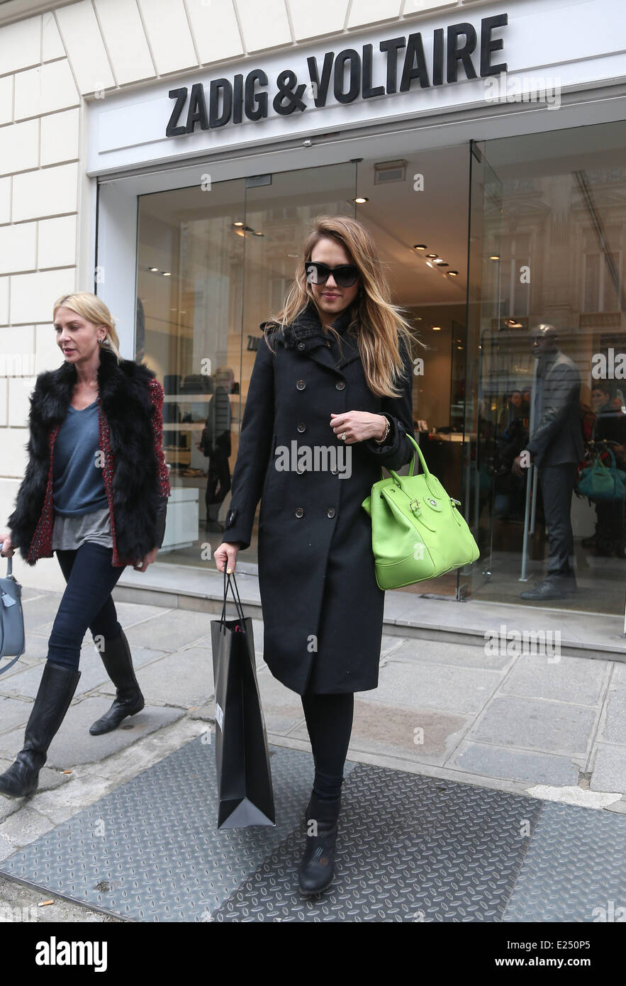 87b521d10c8e1 Jessica Alba spends the day shopping in Paris with her daughter Honor and  friend Lauren Anderson
