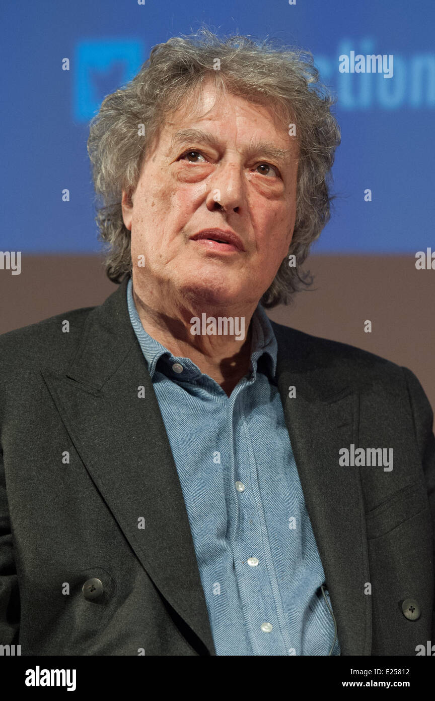 Tom Stoppard give a master class at the Forum des Images in Paris, after the screening of the two first episodes - Stock Image