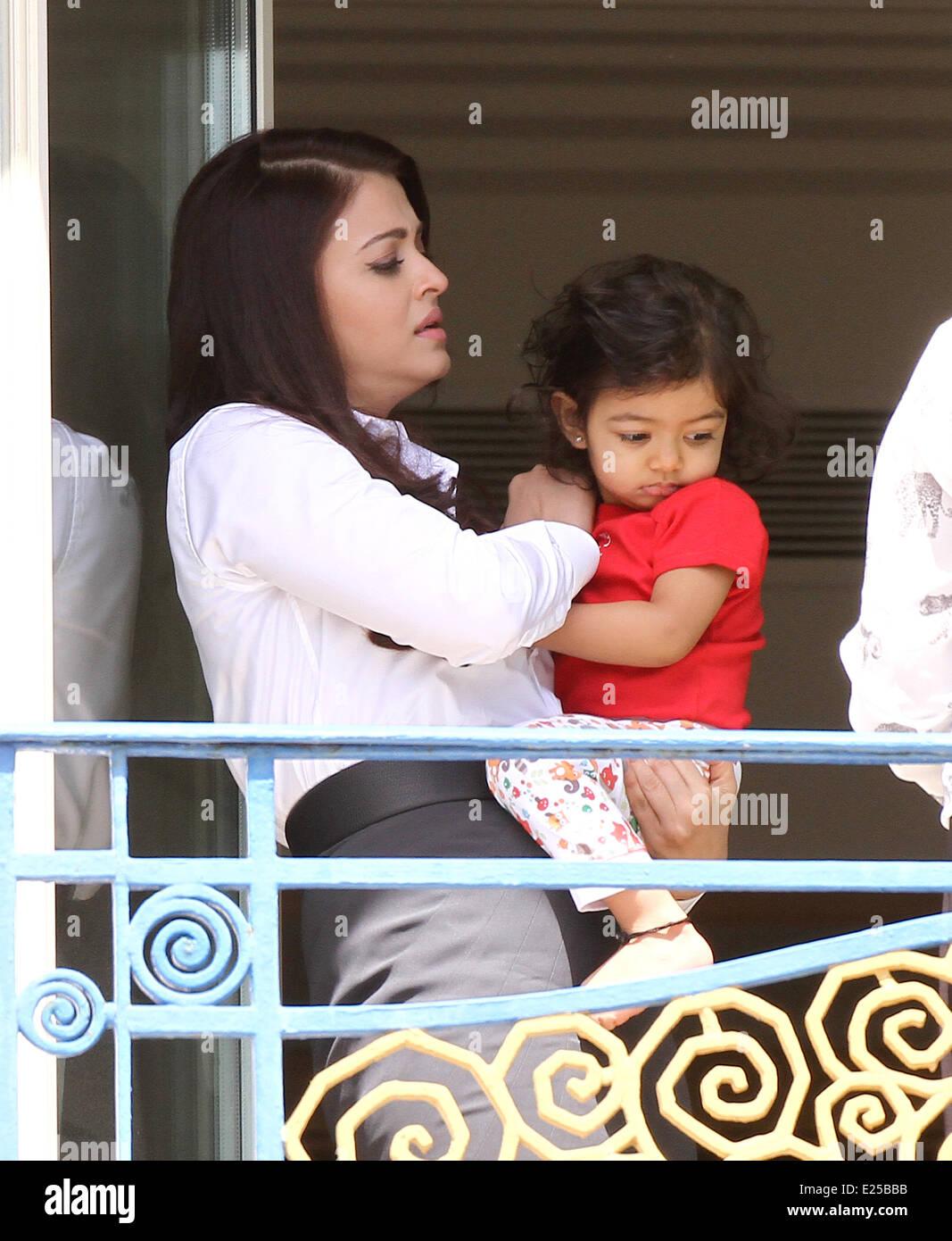 Aishwarya Rai Baby Daughter Aaradhya Stock Photos Aishwarya Rai