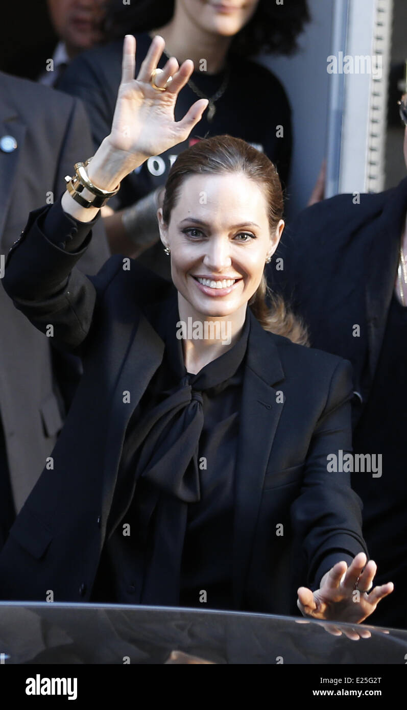Angelina Jolie and Brad Pitt leaving their hotel  Featuring: Angelina Jolie Where: Paris, France When: 03 Jun 2013 - Stock Image