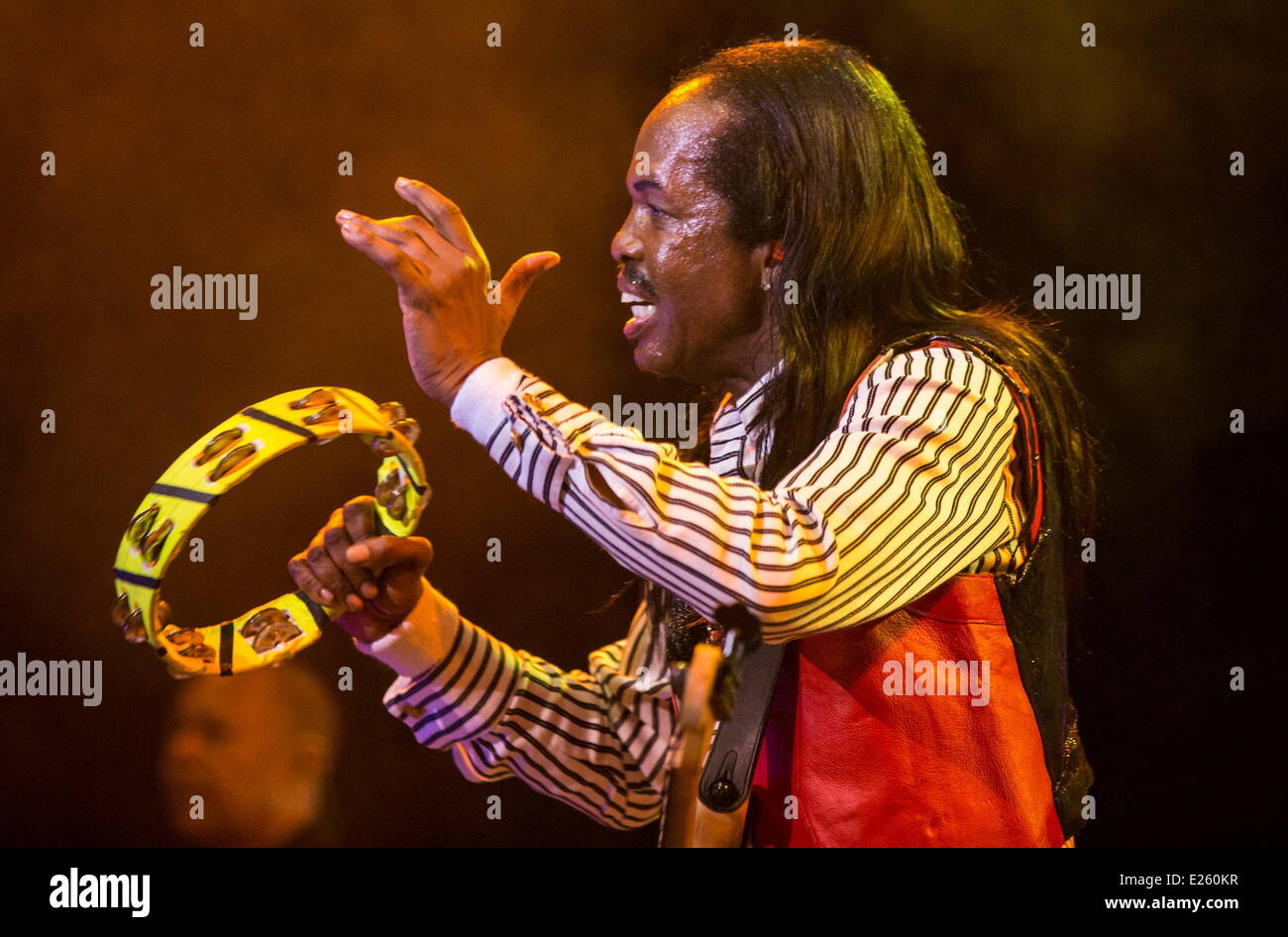 Earth, Wind & Fire perform live at the Royal Albert Hall  Featuring: Verdine White Where: London, United Kingdom - Stock Image