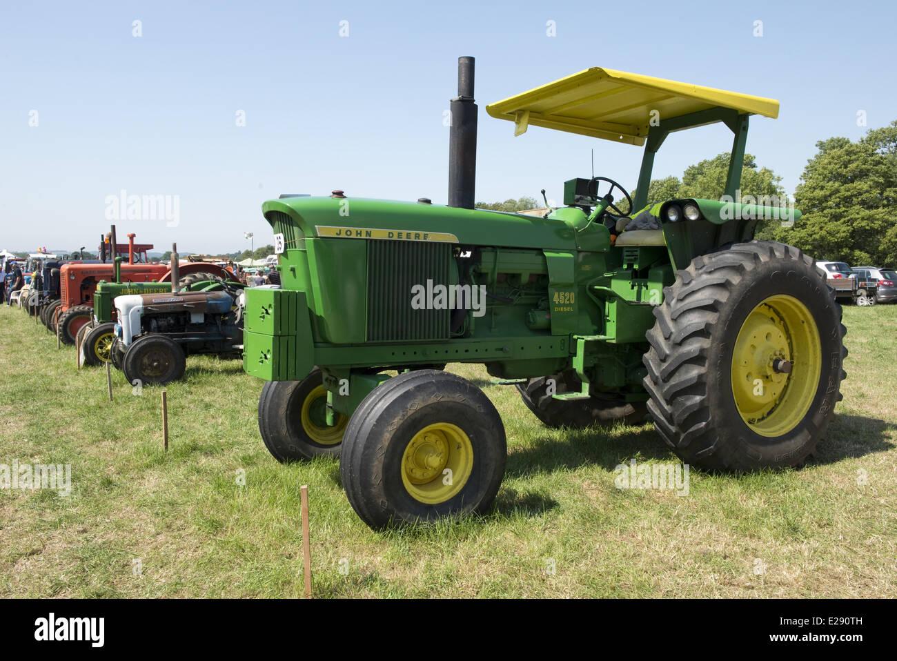 Antique John Deere Show Tractors : John deere stock photos images alamy