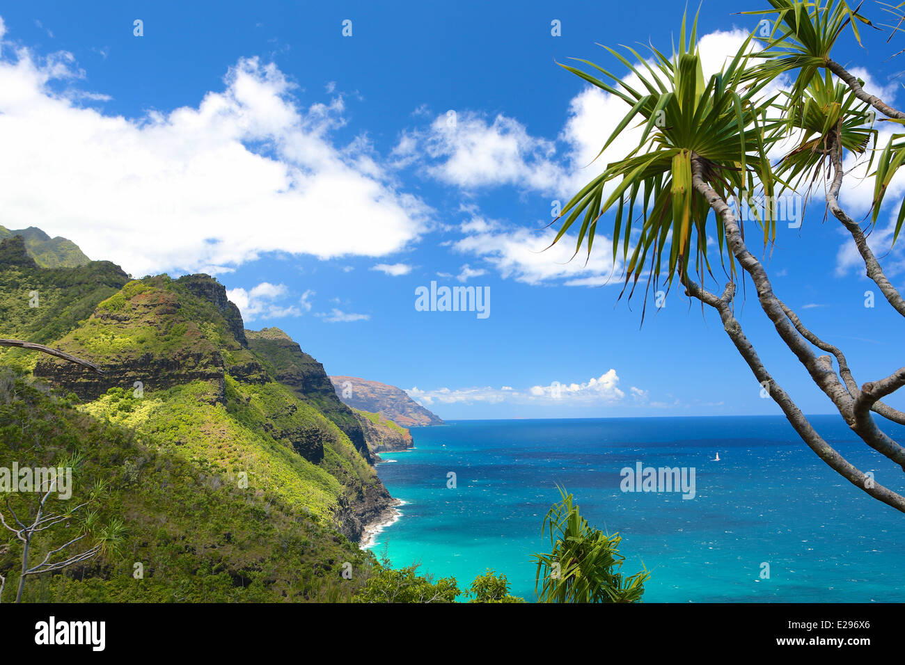 The beautiful Na Pali coast on north shore of Kauai, the Garden Isle of Hawaii, from the Kalalau Trail - Stock Image