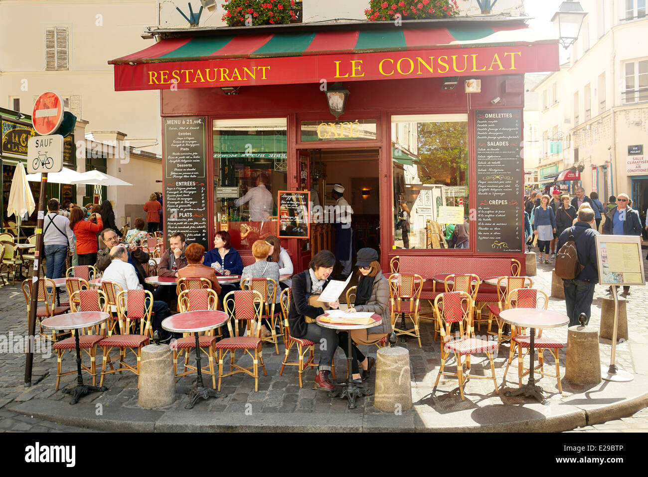 Bar Restaurant in Montmartre District, Paris, France - Stock Image