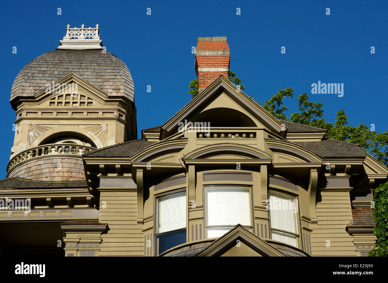 The Queen Anne style Gamwell Victorian mansion in the historical Fairhaven district of Bellingham, Washington state, - Stock Image