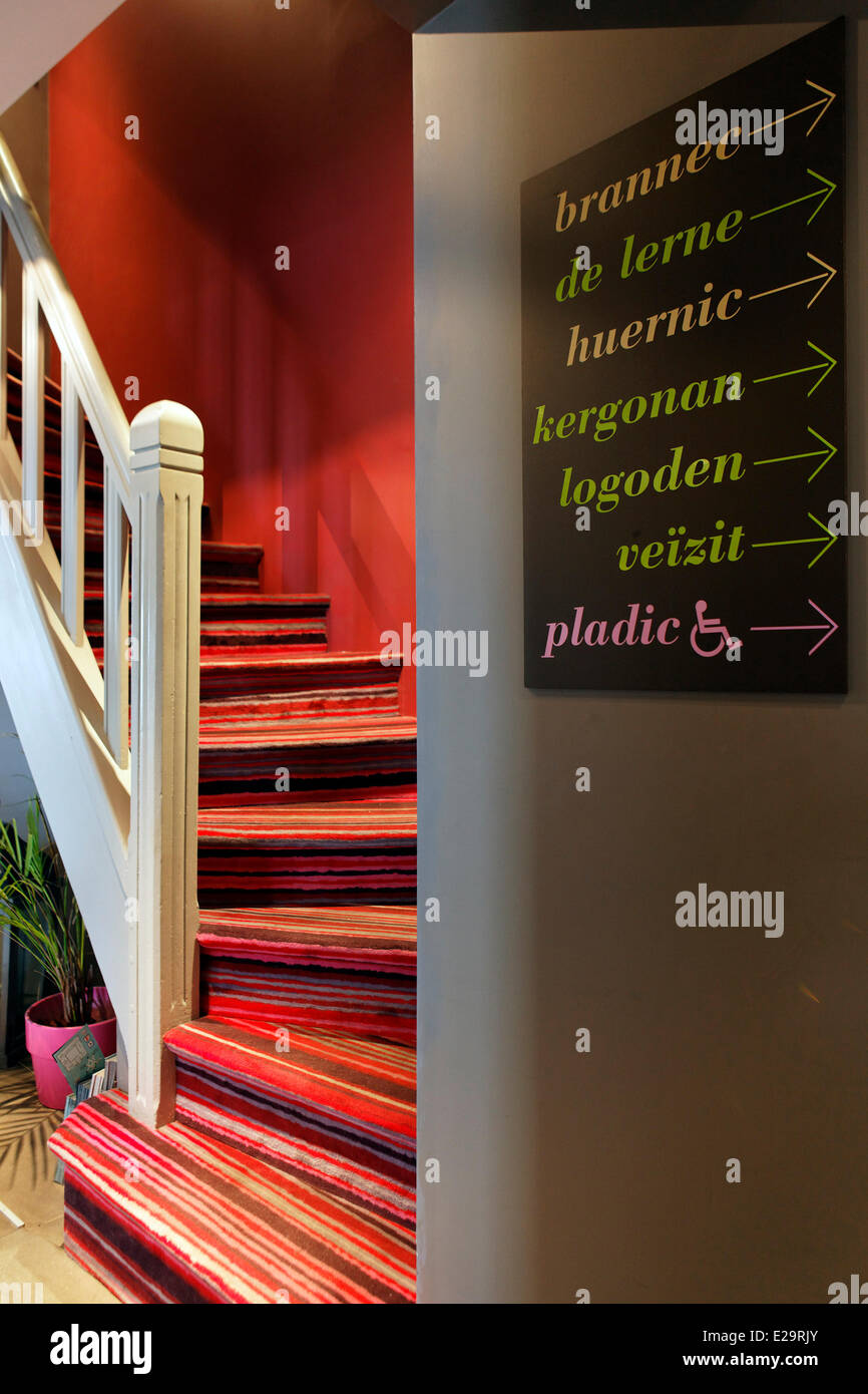 France, Morbihan, the Celtic hotel, Auray, staircase - Stock Image