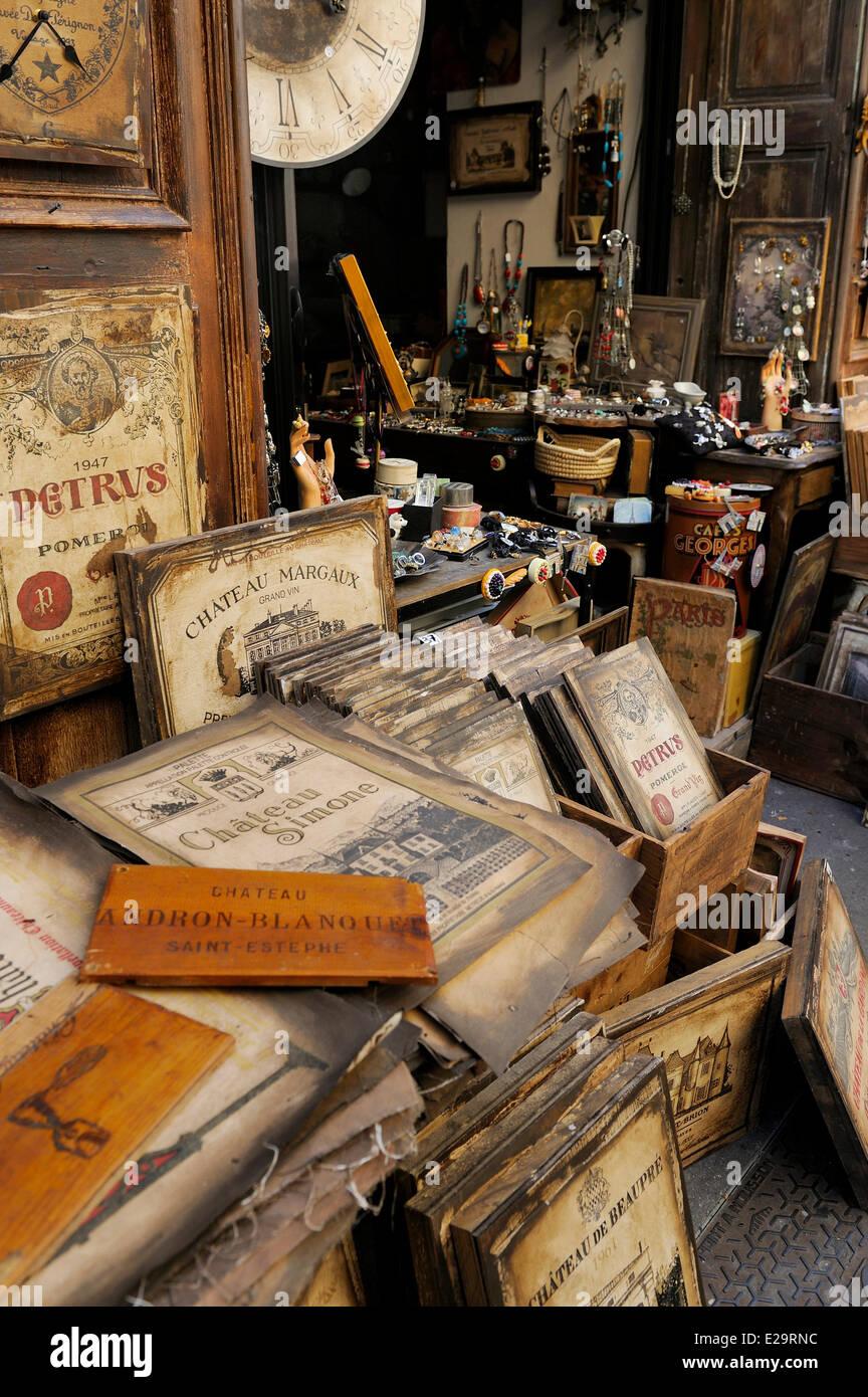 France, Bouches du Rhone, Aix en Provence, the shop Plato's Tavern (La Taverne de Platon) where you can find labels Stock Photo