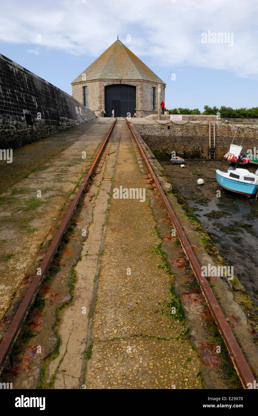 France, Manche, Goury, rails up to the SNSM lifeboat station at la Hague Cap - Stock Image
