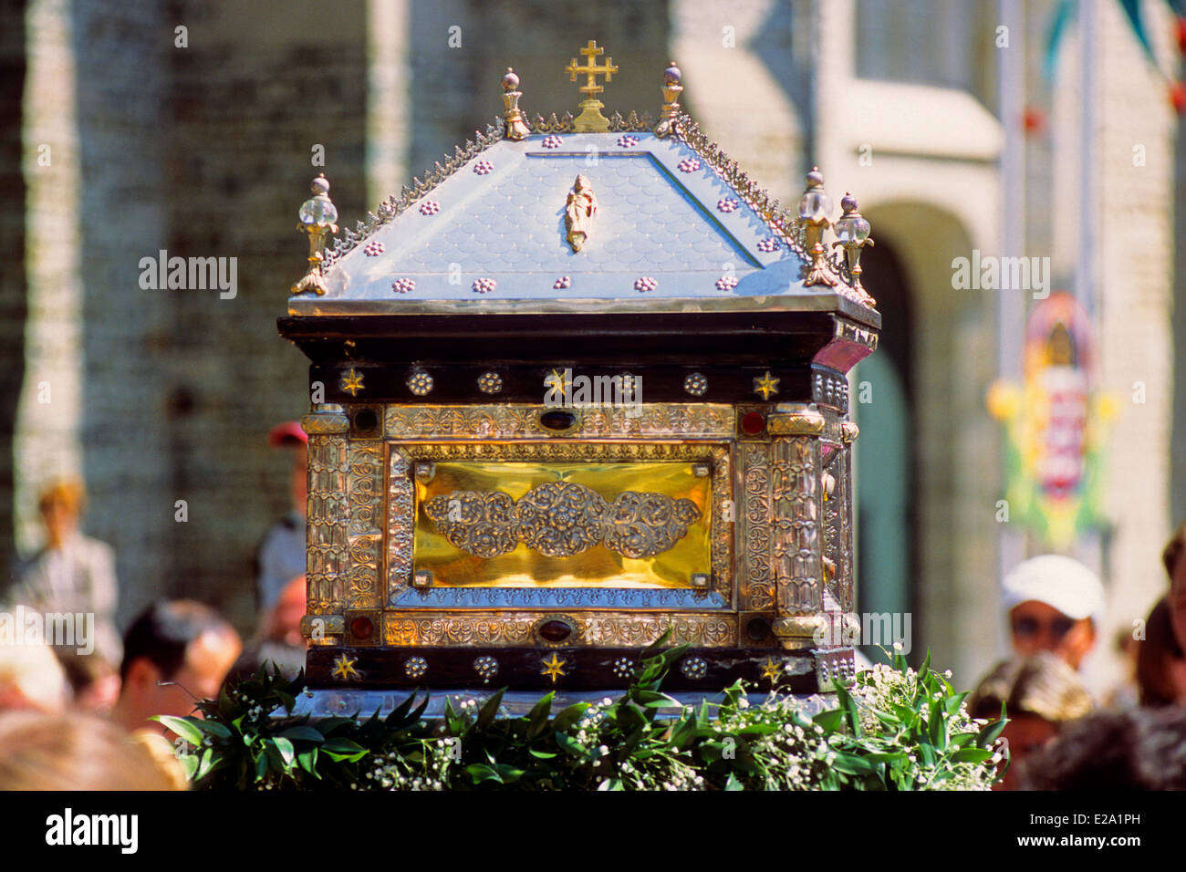 Belgium, Western Flanders, Bruges, reliquary during the parade to celebrate Easter - Stock Image