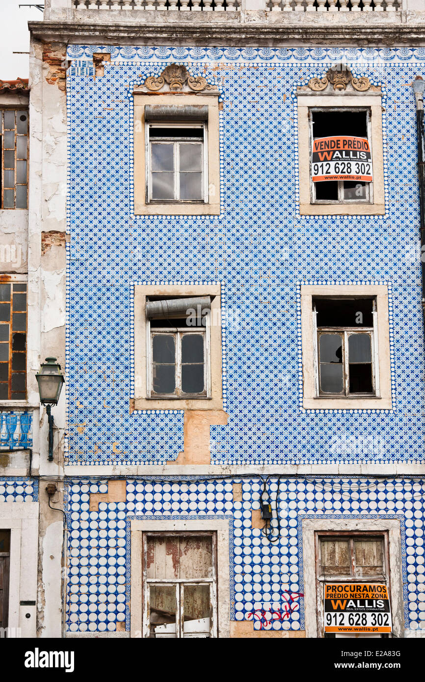 Portugal, Lisbon, Alfama district, facade covered with azulejos - Stock Image