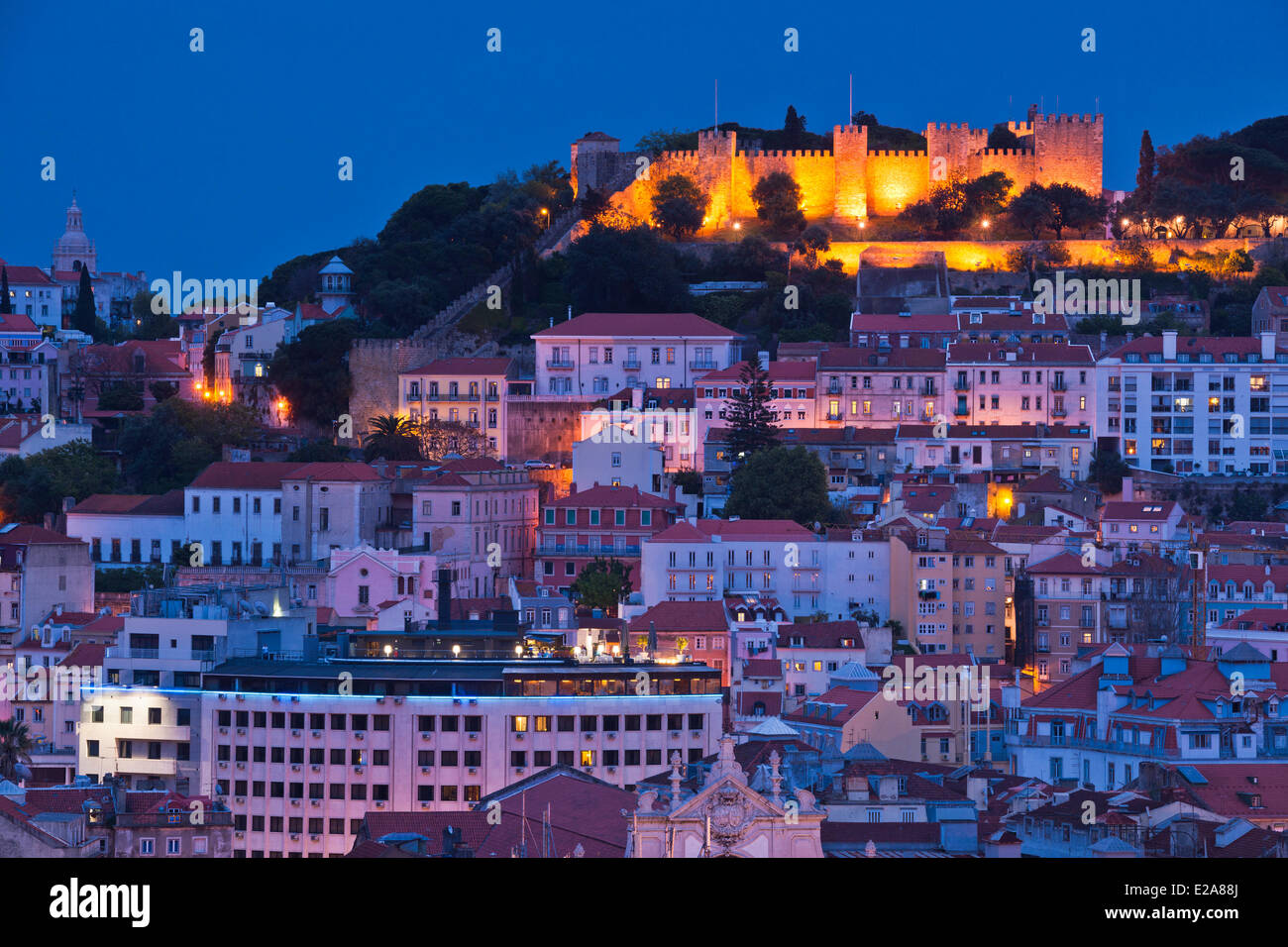 Portugal, Lisbon, panorama from the viewpoint Sao Pedro de Alcantara, the castle Sao Jorge overlooks the city - Stock Image