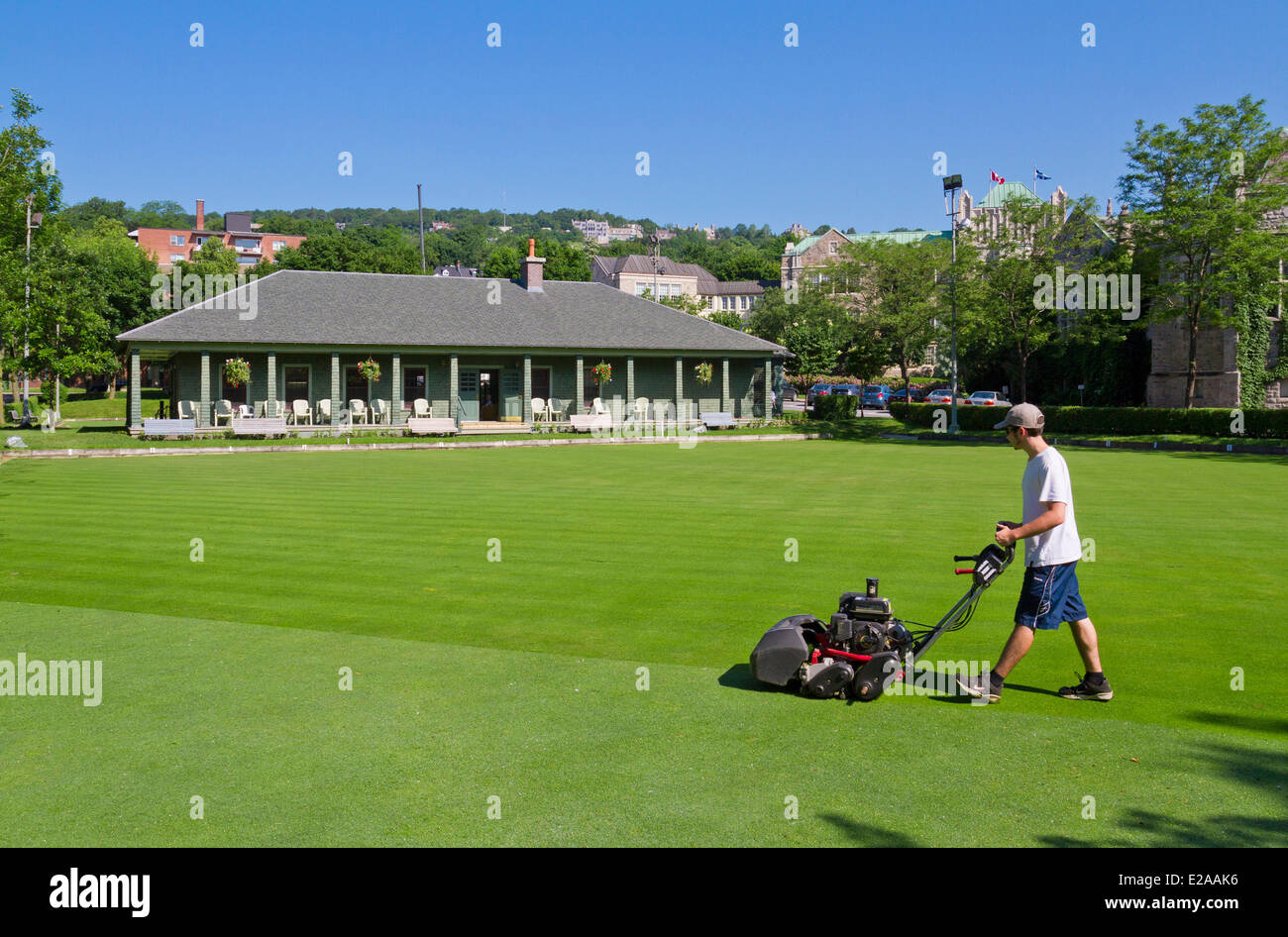 Canada, Quebec Province, Montreal, Westmount, the lawn bowling field, grass cutting - Stock Image