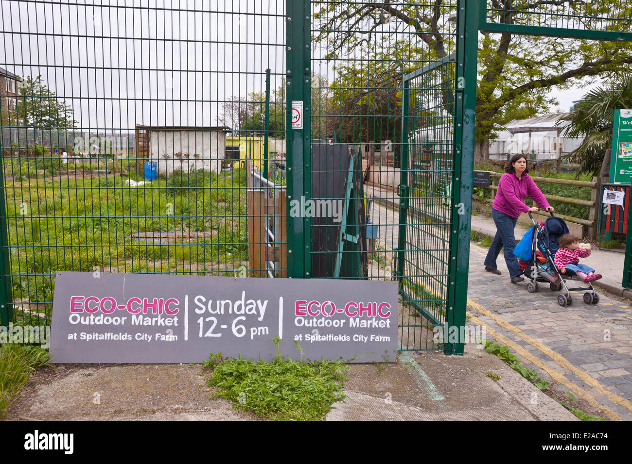 United Kingdown, London, East End district, Brick Lane, Spitalfields City Farm - Stock Image