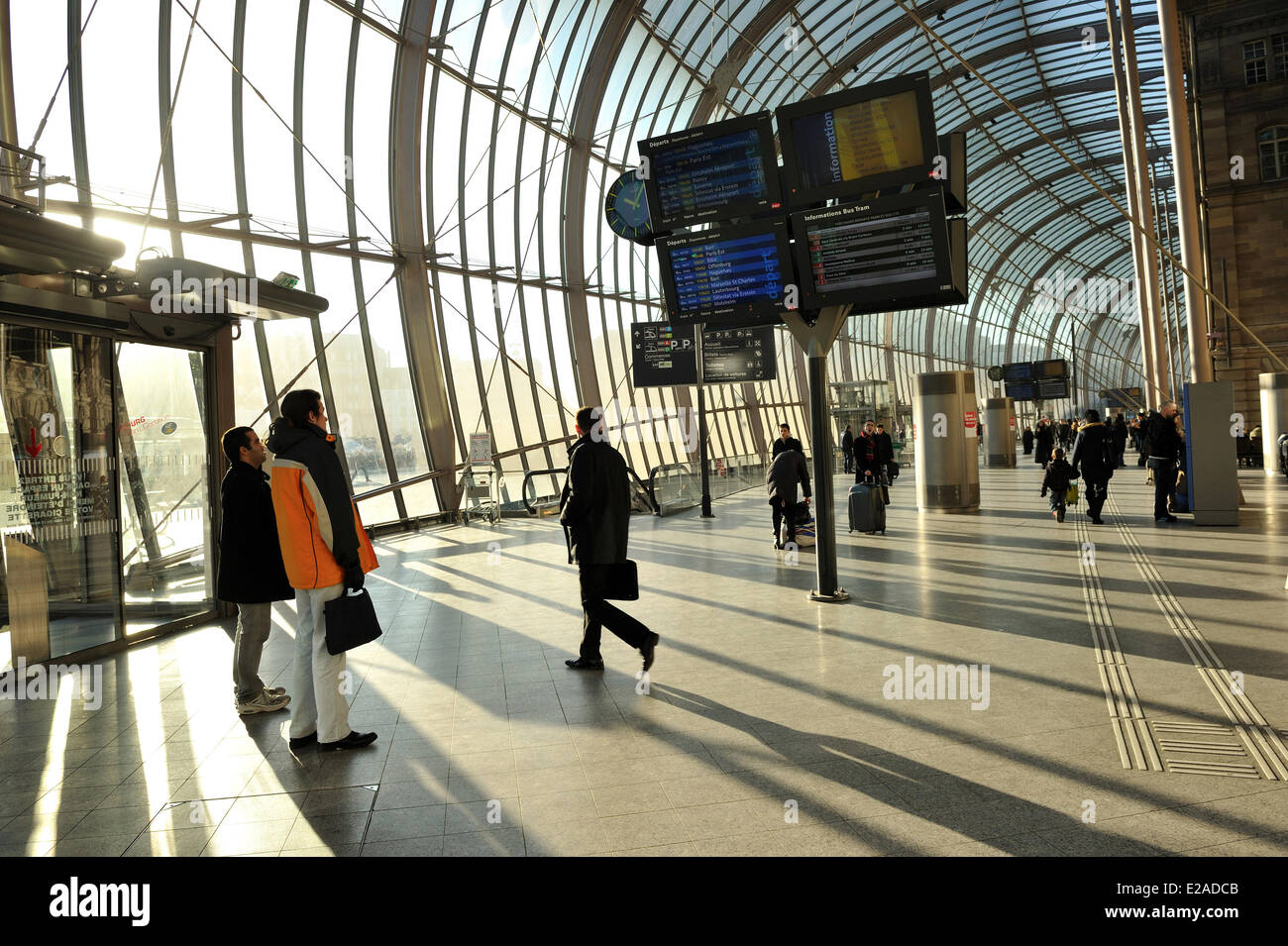 France, Bas Rhin, Strasbourg, glass roof of the railway station by the architect Jean Marie Duthilleul of the architecture - Stock Image