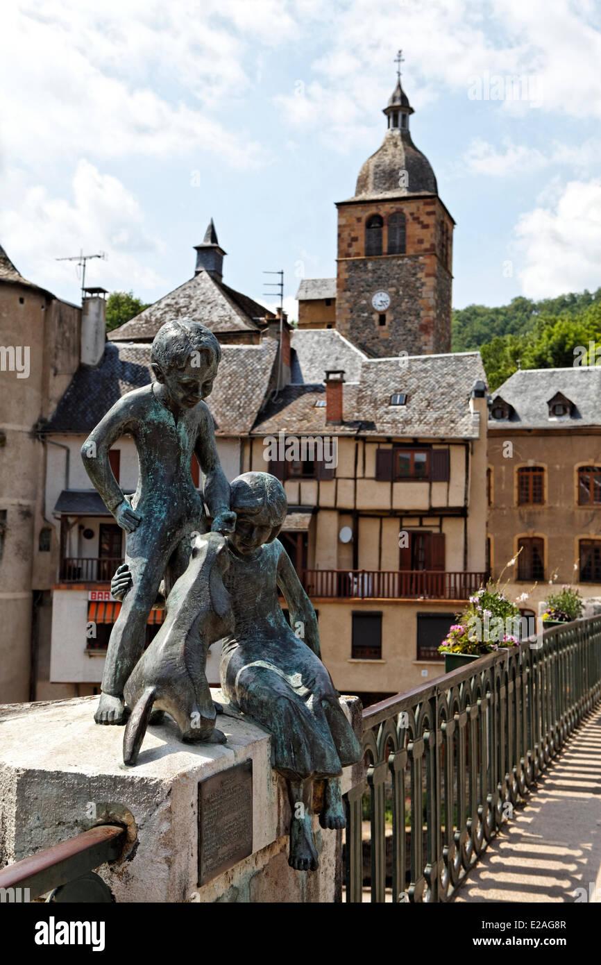 France, Aveyron, Saint Geniez d'Olt, the Marmots, the sculptor Eric Valat, Lot Valley - Stock Image