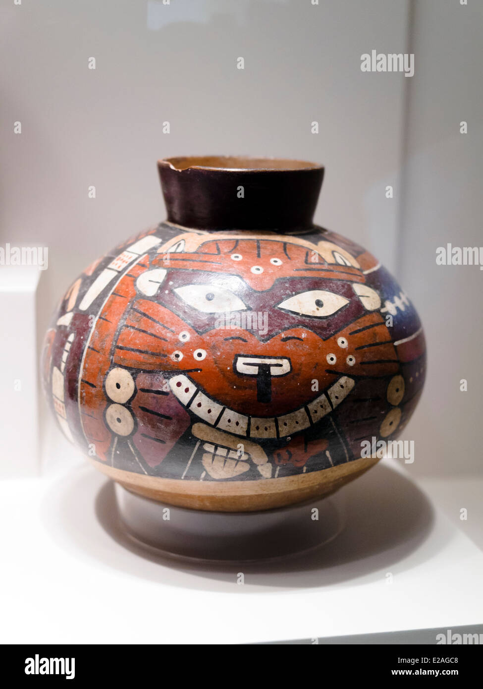 Vessels Pictorial designs of mythological beings Nasca Classic period 1-800 AD Museo de Arte Precolombino, Cusco - Stock Image