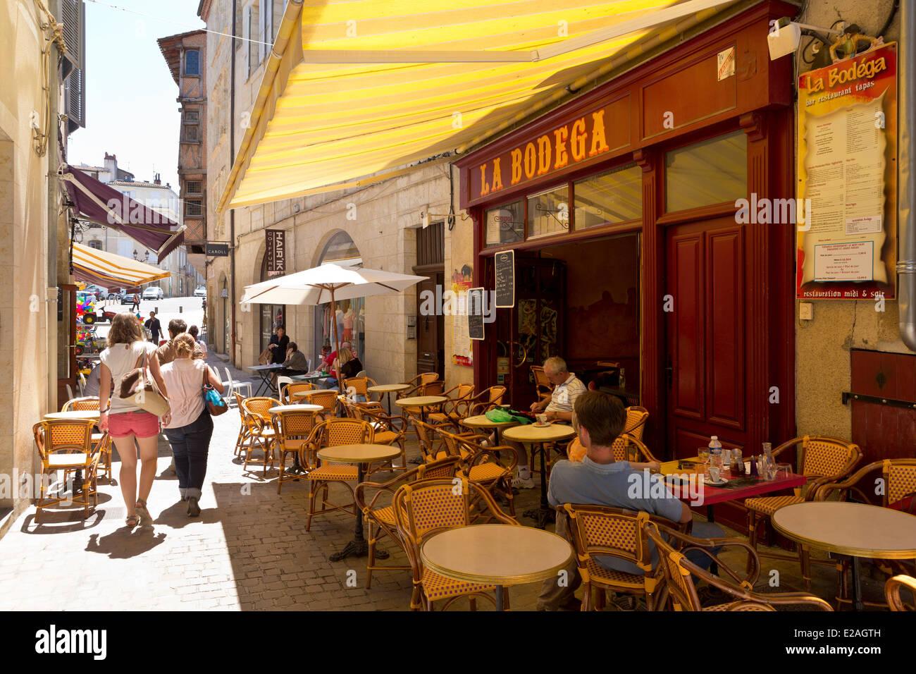 France, Gers, Auch, stop on El Camino de Santiago, cafe terrace - Stock Image
