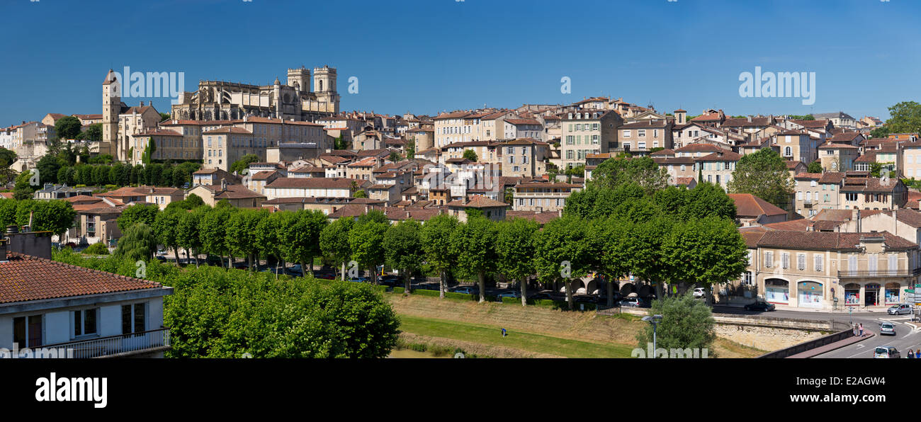 France, Gers, Auch, stop on El Camino de Santiago, Tour d'Armagnac and St Marie Cathedral dated 15th-17th centuries - Stock Image